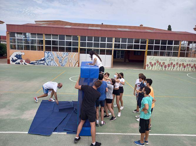 Disparador del projecte 'Som cooperativa': sense tots no s'aconsegueix la tasca. Escola La Masia (Museros, Horta Nord).