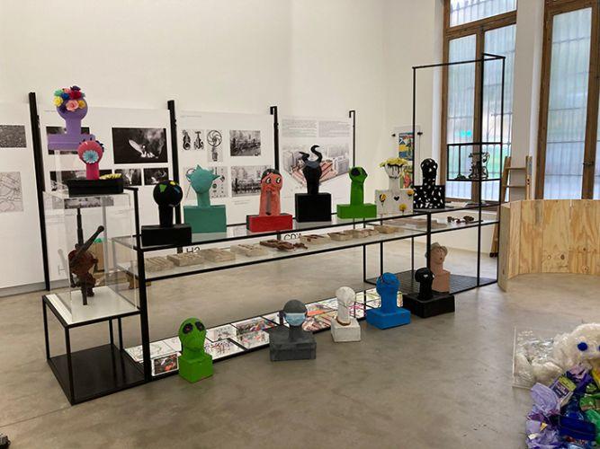 Exposició 'Colorín, colorado...' organitzat per Escuela 2 al museu Bombas Gens.